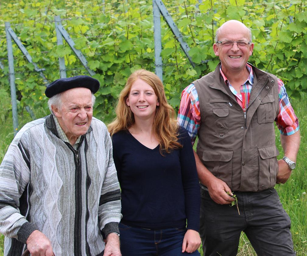 Domaine familial Domaine Borès Paul Borès, Marion Borès et Pierre Borès trois générations Schieferberg